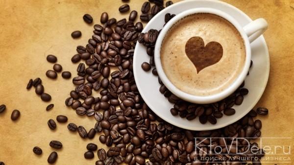 Зерновой кофе и чашка
