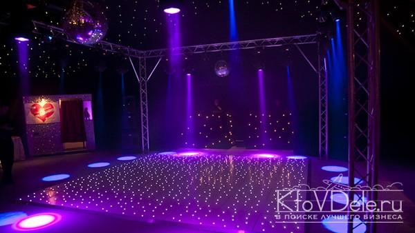 Танцпол в ночном клубе