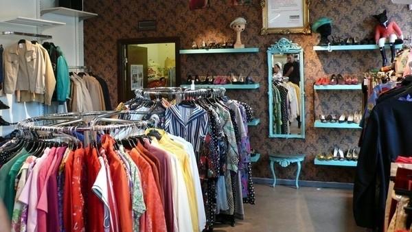 торговля одеждой в комиссионном магазине