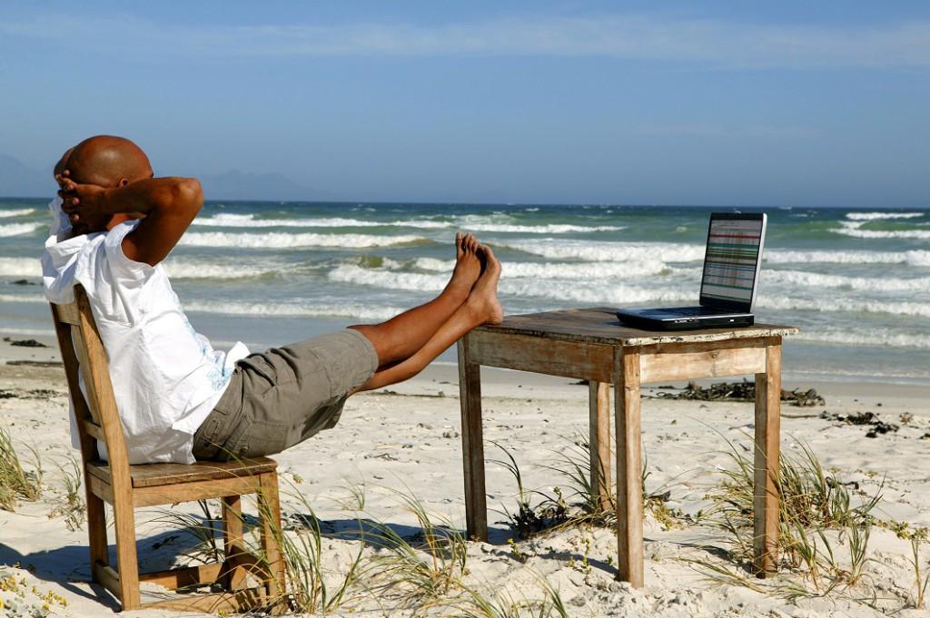 удаленная работа на пляже